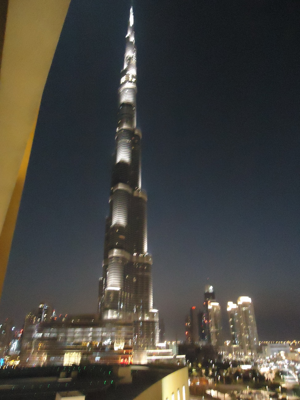 I am burj khalifa sondha 39 s notes for Burj khalifa room rates per night