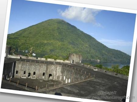 sumber : http://www.tripadvisor.com/Attraction_Review-g2444699-d3258075-Reviews-Gunung_Banda_Api-Banda_Neira_Maluku_Islands.html